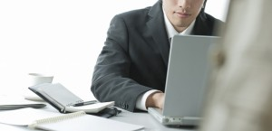 インターネット詐欺の調査